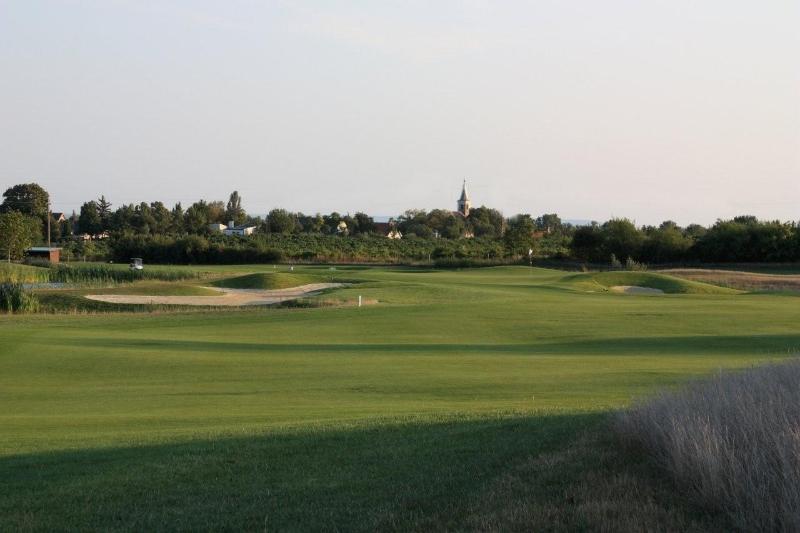 royal balaton golf  u0026 yacht club  u2013 golf  u0026 land design