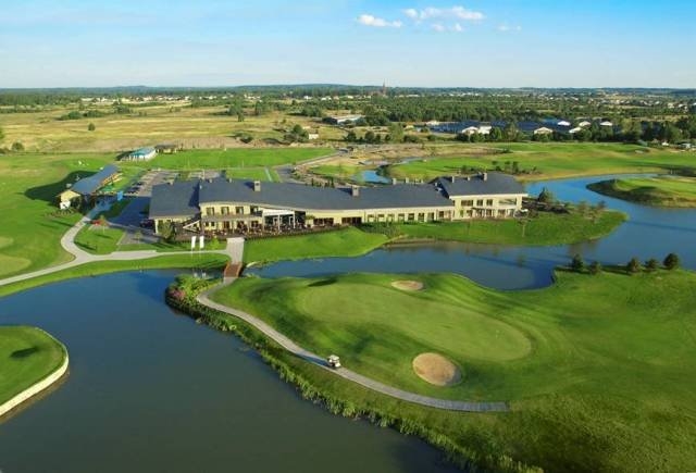 rosa private golf course clubhouse